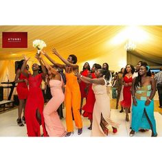 Fond moments with pop of colours... Captured by @atunbi  #weddings #nigerianweddings  #bouquet #idonigeria