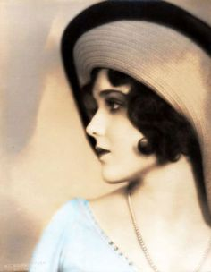 Evelyn Brent, 1920s                                                                                                                                                                                 Plus