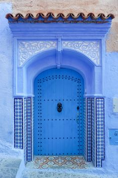 Chefchaouen, Chaouen for short, is a breathtaking blue, calm city in northern Morocco. The city is famous for its blue-washed buildings. Le Riad, Marrakech Morocco, Morocco Chefchaouen, Visit Morocco, Morocco Travel, Africa Travel, Blue City Morocco, Venice Photography, Mountain City