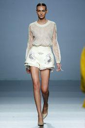 Teresa Helbig Prêt à Porter Primavera/Verano 2016 Mercedes Benz, Spanish Fashion, Vogue, New Trends, Catwalk, Lace Skirt, Ready To Wear, Fashion Show, Glamour