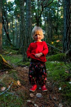 Aesthetic Nest: Sewing: Brown Corduroy Capris with Cabbage Roses [Tiny adorable gnome child!]