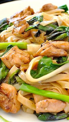 Spicy Thai Noodles - http://www.recipetineats.com/pad-kee-mao-thai-drunken-noodles/
