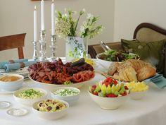 Gode tips til koldtbord   Artikkel - MatPrat Fritters, Chorizo, Cobb Salad, Cheese, Table Decorations, Recipes, Food, Norway, Pineapple