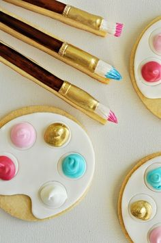 Painters Palette and Paintbrush Cookies ... so cute!