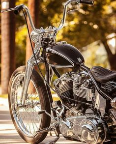 Harley-Davidson Indian World Harley Davidson Chopper, Harley Davidson Motorcycles, Cars And Motorcycles, Custom Bobber, Custom Bikes, Ride Movie, Old School Chopper, Motorcycle Manufacturers, Gothic Metal