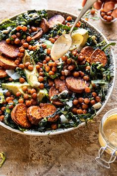 This Kale Caesar Salad with Sweet Potatoes and Crispy Chickpeas is not your average salad.the perfect wintry salad to kick-start clean eating in Caesar Salat, Kale Caesar Salad, Vegetarian Recipes, Cooking Recipes, Healthy Recipes, Vegetarian Dinners, Vegetarian Salad, Paleo Food, Easy Recipes