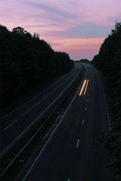 Me gustan los viajes nocturnos. Cuando me despierto es como si hubiera aparecido en otra dimensión.