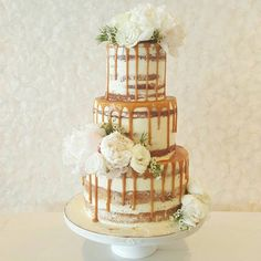 @sweetbloomcakes Dripping salted caramel with fresh white blooms...Instagram photo | Websta (Webstagram)