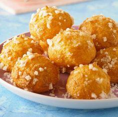 Découvrez cette recette gourmande pour préparer des chouquettes maison. Une pâtisserie française légère qui plaira aussi bien aux enfants qu'aux adultes.