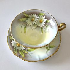 Vintage E.B Foley china tea cup and saucer, made in England. An absolutely stunning cabinet duo hand painted and artist signed A. Taylor on both the cup and saucer. It is in good condition, no chips, cracks, crazing or repairs. Both pieces ring nicely Please Note: The items I
