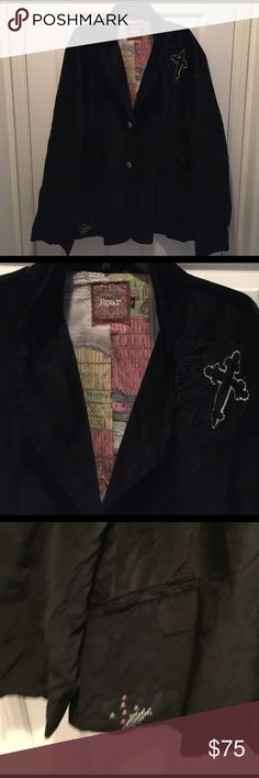 MENS VELVET BLAZER MENS BUTTON FRONT BLAZER WITH ELBOW PATCHES AND EMBROIDERED APPLIQUÉS ON THE FRONT IN THE BACK.WELL MADE DOUBLE SPLITS IN THE BACK OF THE COAT ROAR Suits & Blazers Sport Coats & Blazers