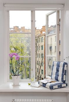 someday I will live in Italy and sit here sipping a coffee