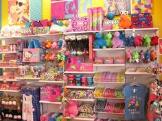 It's a sugar rush just looking at this store! Gift Shop Displays, Store Displays, Kids Store, Toy Store, Baby Store Display, Gift Shop Interiors, Sugar Store, Stationary Shop, Store Fixtures