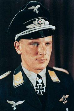 Ritterkreuzträger photos in color thread! Luftwaffe, Churchill, Army Uniform, Military Uniforms, Germany Ww2, Akashic Records, German Army, World War Ii, Wwii