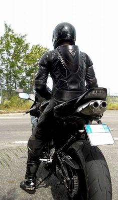 Men's Leather Jackets: How To Choose The One For You. A leather coat is a must for each guy's closet and is likewise an excellent method to express his individual design. Leather jackets never head out of styl Biker Leather, Leather Men, Leather Boots, Motorbike Leathers, Motorcycle Suit, Biker Gear, Street Bikes, Jackets, Bikers