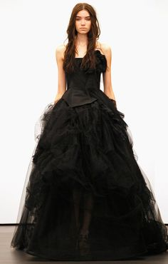 """Vera Wang wedding dress that is also a stunning """"I want this"""" gown."""