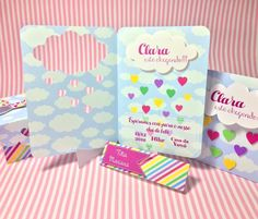 Kit Chuva de Amor Inclui convite nominal impresso em papel opalina Caixinha nuvem e caixinha para trufa impressas em papel fotográfico. Embalagens vazias.