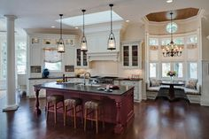 Elegant Lakeside Kitchen - traditional - kitchen - chicago - by Drury Design