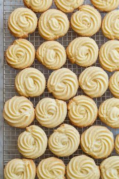 Perfect Cookie Recipes – 20 Baking Tips To Make The Best Cookies Ever - New ideas Danish Butter Cookies, Butter Cookies Recipe, Yummy Cookies, Cake Cookies, Italian Butter Cookies, Biscuit Cookies, Fancy Cookies, Cupcakes, Spritz Cookies