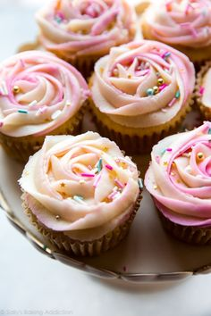 Imagem de cupcakes, desserts, and food Frosting Tips, Cupcake Frosting, Frosting Recipes, Cupcake Recipes, Cupcake Cakes, Dessert Recipes, Desserts, Buttercream Frosting, Icing