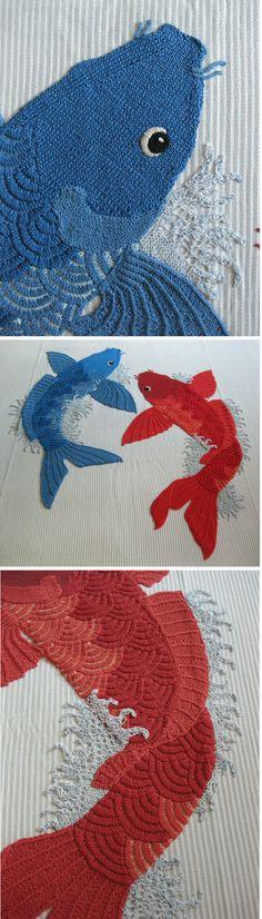 Copriletto #koi: ordito in lino, trama in cotone, #applicazione in #maglia su disegno originale dell'artista. Bedspread #koi: linen warp, cotton weft, #handknitted application, on original sketch by the artist.