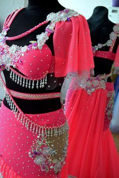 Fotos de Восточные костюмы- Costumes by Yana Latest African Fashion Dresses, Belly Dance Costumes, Latina, Dance Outfits, Suits, Needlepoint