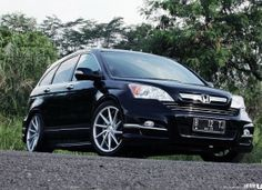 Badar Hasan's Honda CRV with daily use VIP style.
