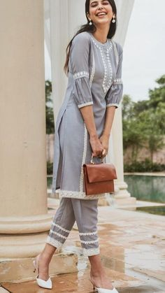 Pakistani Fashion Casual, Pakistani Dresses Casual, Pakistani Dress Design, Simple Kurti Designs, Kurta Designs Women, Salwar Designs, Lehenga Designs, Stylish Dresses For Girls, Stylish Dress Designs