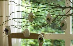 Easter Ahh so sweet Easter Crafts, Easter Ideas, Egg Shells, Minion, Seasonal Decor, Decor Crafts, Seasons, Crafty, Handmade