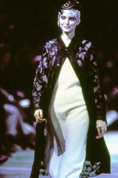 Comme des Garçons Fall 1993 Ready-to-Wear Accessories Photos - Vogue