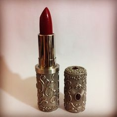Sign in or sign in to view - Red Vintage Lipstick in Original . - Sign in or sign in to view – Red vintage lipstick in the original Art Deco tube. Vintage Makeup, Vintage Vanity, Vintage Beauty, Lipstick Tube, Lipstick Holder, Black Lipstick, Liquid Lipstick, Makeup Package, Art Deco
