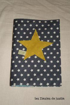 protège carnet de santé étoile bleu et vert anis ** personnalisable** : Puériculture par les-zinzins-de-justin