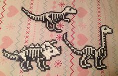 Dinosaur Skeleton Perler Bead Art by MyKatFluffy on DeviantArt Melty Bead Patterns, Pearler Bead Patterns, Perler Patterns, Beading Patterns, Melty Beads Ideas, Hamma Beads Ideas, Perler Bead Templates, Diy Perler Beads, Perler Bead Art