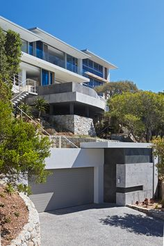 Extensive renovation in the sought-after Llandudno area of Cape Town Luxury Homes Exterior, Modern Exterior, Home Cinema Systems, Open House Plans, Design Case, Modern House Design, Building A House, Beautiful Homes, Cape Town