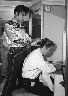 Elvis the barber king ?? ♤