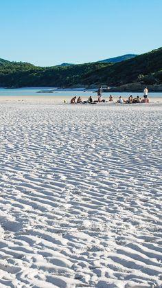 White sand on the beaches of the Whitsunday Islands, Australia.
