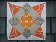 love the colors, love the pattern!  click on the link to see this block in more colorways :)
