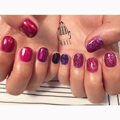 "111NAIL on Instagram: ""black berry◼️▪️⚫️⚪️▫️◻️✨#nail#art#nailart#ネイル#ネイルアート#glitter#ラメネイル#pink#purple#berry##cute#kawaii…"""