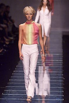 Versace Spring 2000 Ready-to-Wear Fashion Show: Complete Collection - Style.com