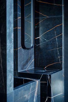 Home Interior Design — Tristan Auer- Parisian apartment. Rental Bathroom, Bathroom Spa, Bathroom Interior, Small Bathroom, Bathroom Marble, Bathroom Black, Marble Tiles, Arch Interior, Home Interior Design