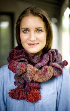 Free Crochet Pattern: Ruffle Colors Scarf