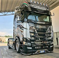 Show Trucks, Big Rig Trucks, Trailers, Customised Trucks, Scania V8, Super Skinny Jeans, King, Roads, Vehicles
