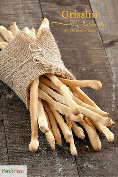 #Grissini Torinesi - how to make #Italian #breadsticks the traditional way.