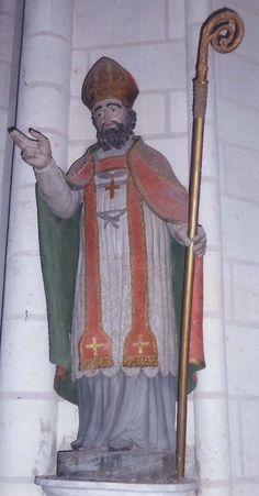 Eglise Saint-Martin à La Chapelle-Blanche-Saint-Martin (37240) - La statue de terre cuite de saint Martin évêque (inscrite au titre des monuments historiques, récemment restaurée).