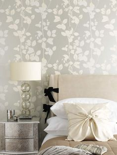 find this pin and more on damaskwallpaper for an elegant old home - Floral Wallpaper Bedroom Ideas