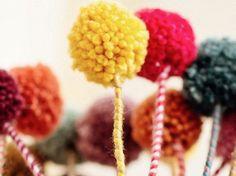 DIY tutorial: Make A Bunch Of Pom Pom Flowers via DaWanda.com