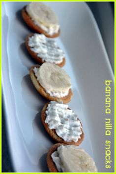 Banana and Nilla wafers. Super simple and yet so good!