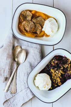 Brown Butter & Pistachio Berry Crumble| A delicious Summer Dessert to share! | BBQ | Potluck | Picnic | Family Tradition