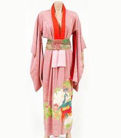 #Vintage #kimono - peacock paradise    Price £195.00