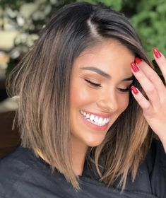 Ideas Caramel Hair With Brown Balayage Medium Lengths Brown Hair Balayage, Hair Highlights, Short Balayage, Medium Hair Styles, Curly Hair Styles, Great Hair, Hair Day, Gorgeous Hair, Beautiful
